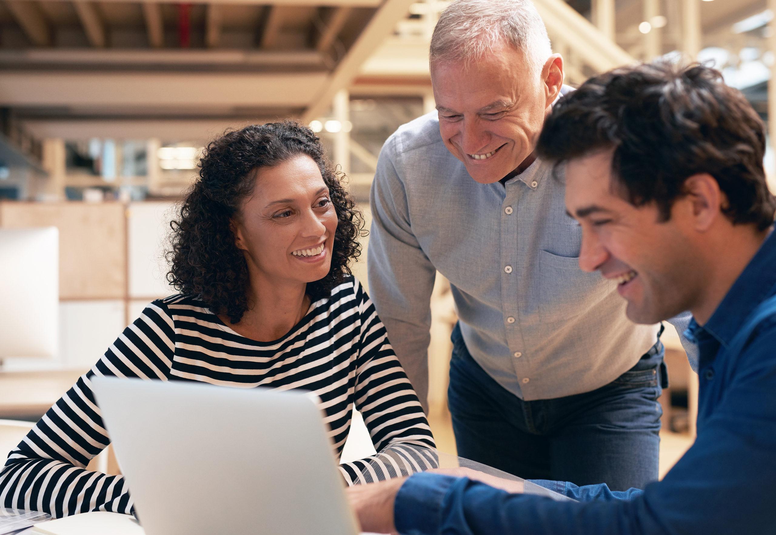 Digitale Führung braucht mehr als nur Medienkompetenz. Die Demografieberatung verrät acht Regeln für die Führung virtueller Teams.