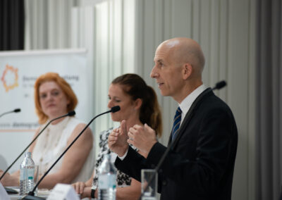 Irene Szimak, Monika Thurnher, Martin Kocher (c) by Daniel Shaked 2021