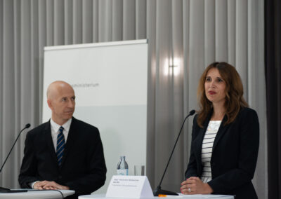 Martin Kocher, Alexandra Weilhartner (c) by Daniel Shaked 2021